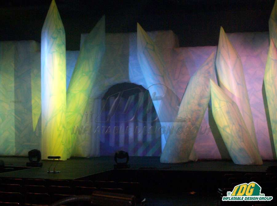 fashionable stage props